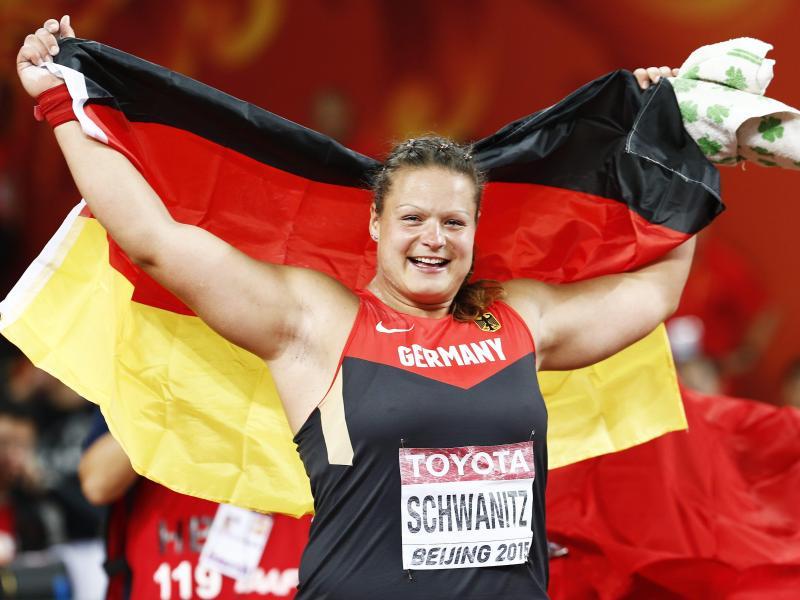 Kugelstoßerin Christina Schwanitz jubelt 2015 über ihren Sieg im Finale bei der WM in Peking