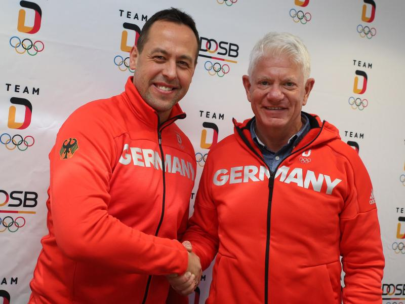 Bundestrainer Marco Sturm (l.) und DEB-Chef Franz Reindl hoffen auf ein gutes Abschneiden