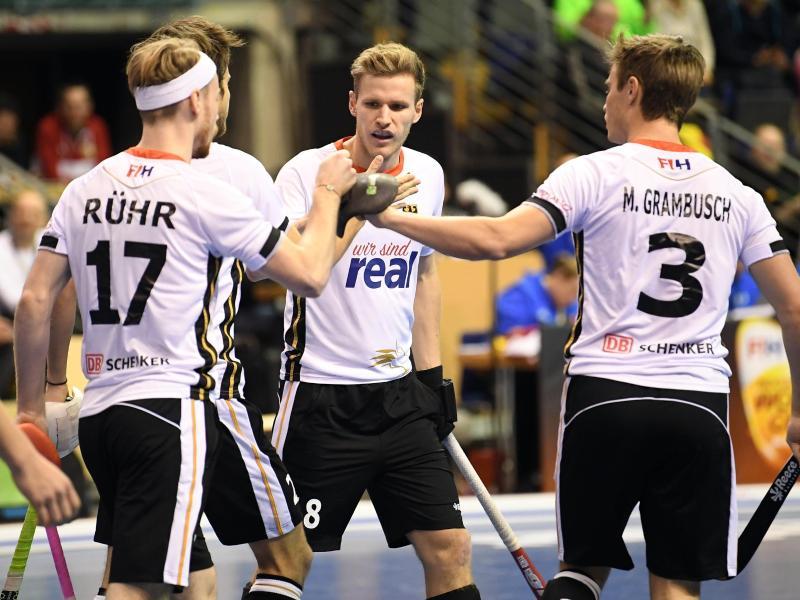 Die deutschen Hockey-Herren bejubeln einen Treffer