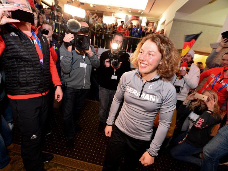 Olympiasiegerin Laura Dahlmeier wurde im Deutschen Haus gefeiert