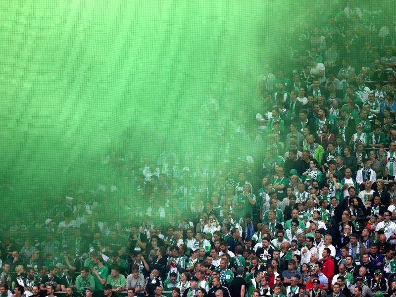 Wegen randalierender Fans muss Rapid Wien bei einem Heimspiel auf einen Teil seiner Fans verzichten