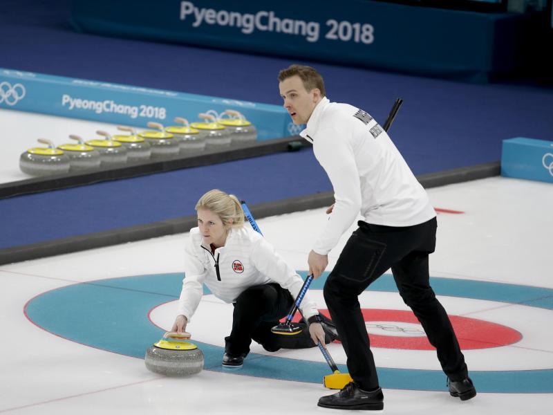 Kristin Skaslien (l) und Magnus Nedregotten unterlagen im Mixed dem OAR-Duo