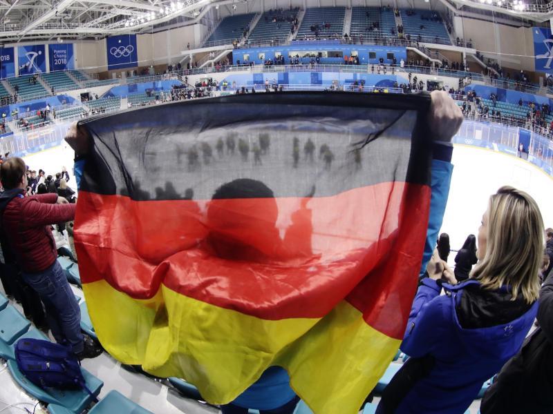 In Deutschland werden die Fans mit dem DEB-Team mitfiebern