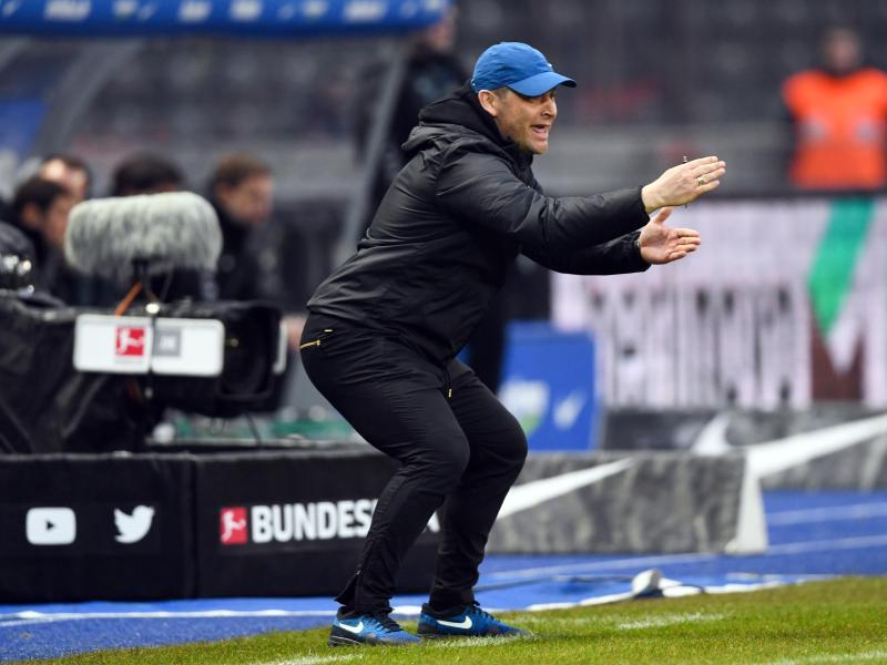 Stellt sich vor seine Spieler: Hertha-Coach Pál Dárdai