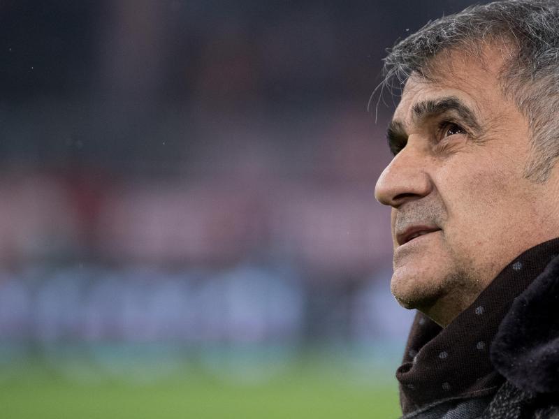 Besiktas-Trainer Senol Günes ist mit seiner Mannschaft nicht zum Nachholspiel gegen Fenerbahce angetreten