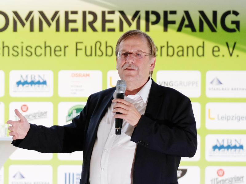 DFB-Vizepräsident Rainer Koch spricht beim Sommerfest des Sächsischen Fußballverbandes (SFV)