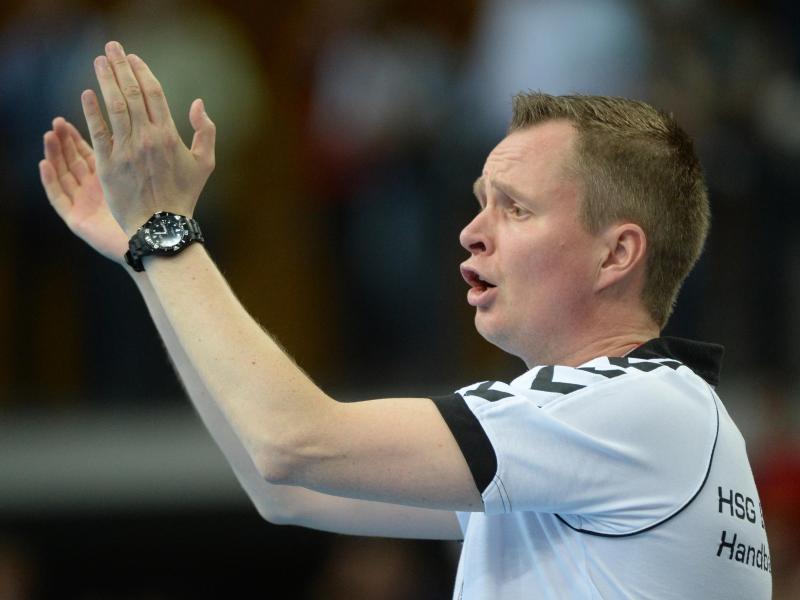 Trainer Andre Fuhr hat mit den Handball-Damen der TuSMetzingen die erste Qualifikationsrunde im EHF-Pokal überstanden