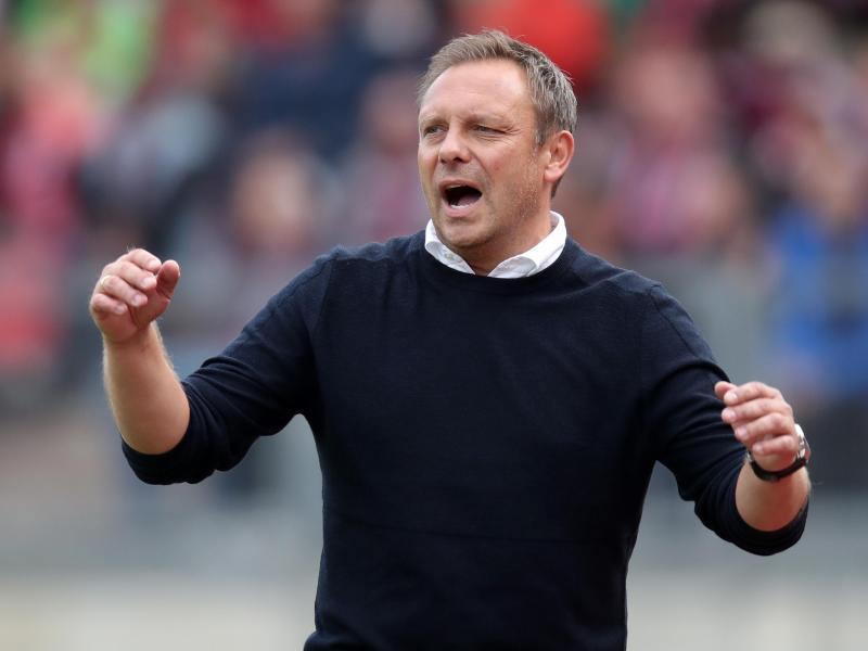 Trainer Andre Breitenreiter will mit Hannover 96 gegen Hoffenheim einen Sieg holen