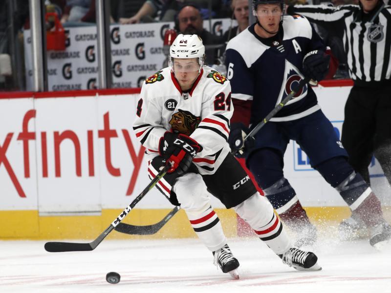 Zog mit den Chicago Blackhawks den Kürzeren: Dominik Kahun (vorne)