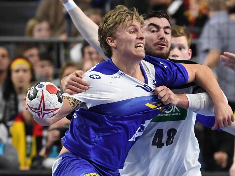 Der für den THW Kiel spielende Isländer Gisli Thorgeir Kristjansson (l.) überzeugte bei der WM im Spiel gegen Deutschland