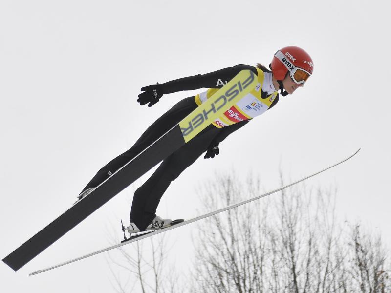 Katharina Althaus springt zum zweiten Mal hintereinander auf Rang drei