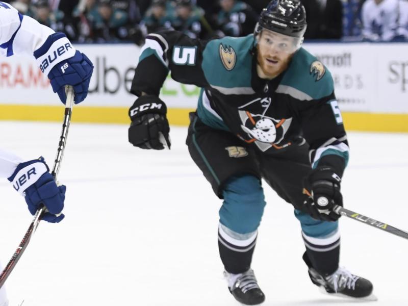 Wieder in der unterklassigen AHL: Korbinian Holzer von den Anaheim Ducks