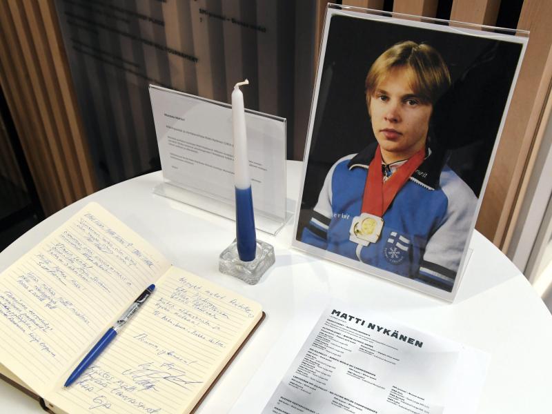 Ein Kondolenzbuch für den früheren finnischen Ausnahme-Skispringer Matti Nykänen liegt aus