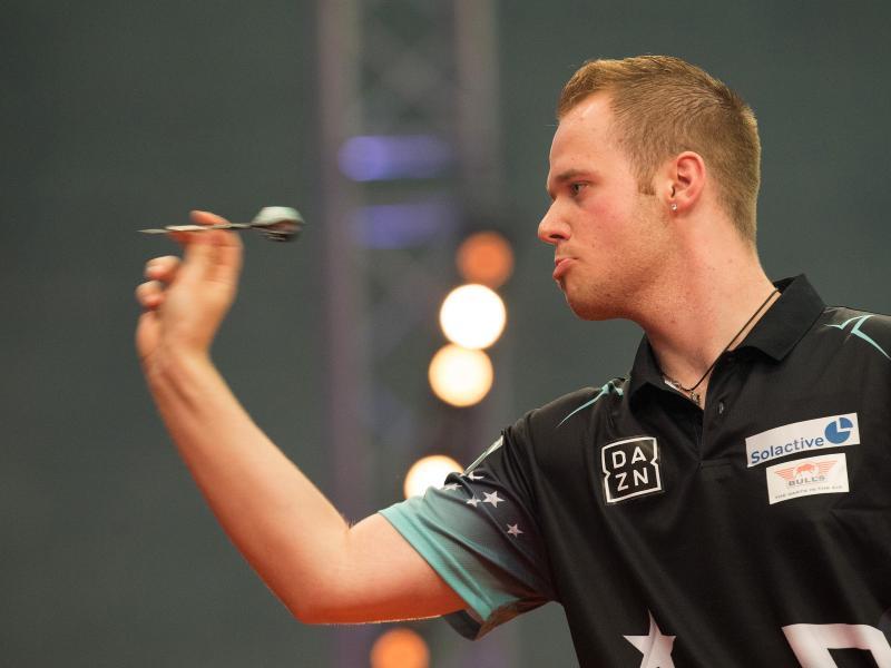 Der deutsche Dartspieler Max Hopp tritt als erster deutscher Dartspieler in der Darts-Premier-League an
