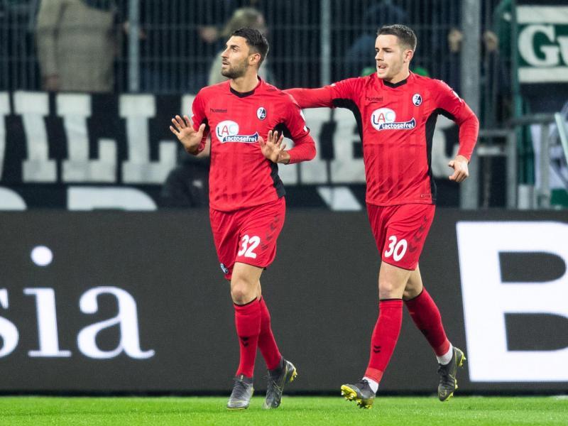 Vincenzo Grifo (l) spielt nur auf Leihbasis beim SC Freiburg