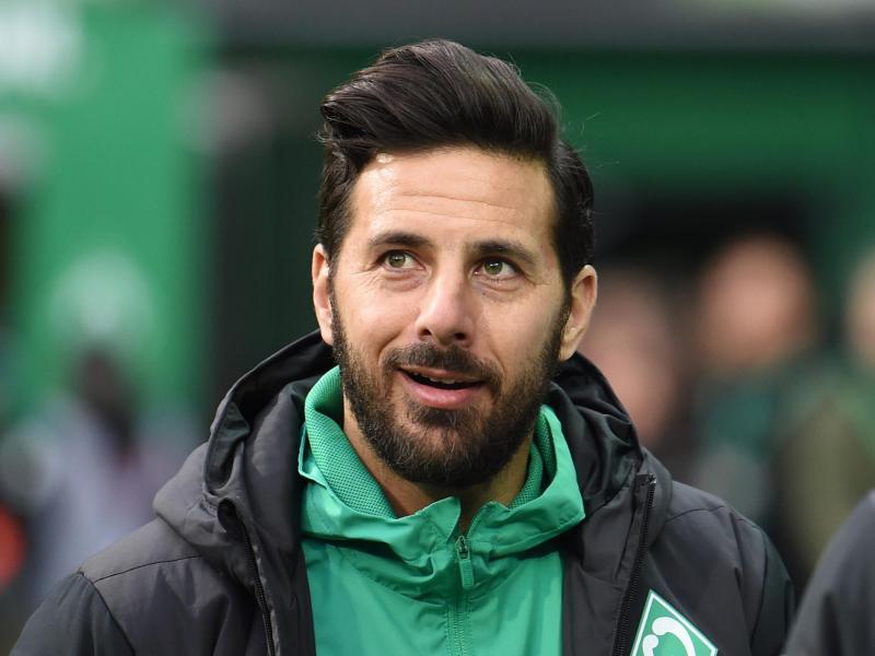 Claudio Pizarro überlegt derzeit, noch ein Jahr bei Werder Bremen dranzuhängen