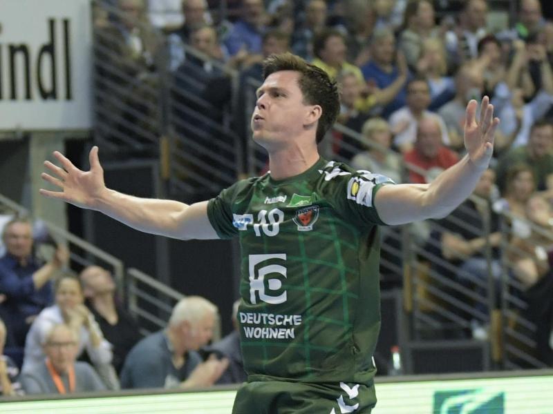 Hans Lindberg sicherte mit seinem Treffer den Füchsen Berlin den Sieg beim TVB Stuttgart