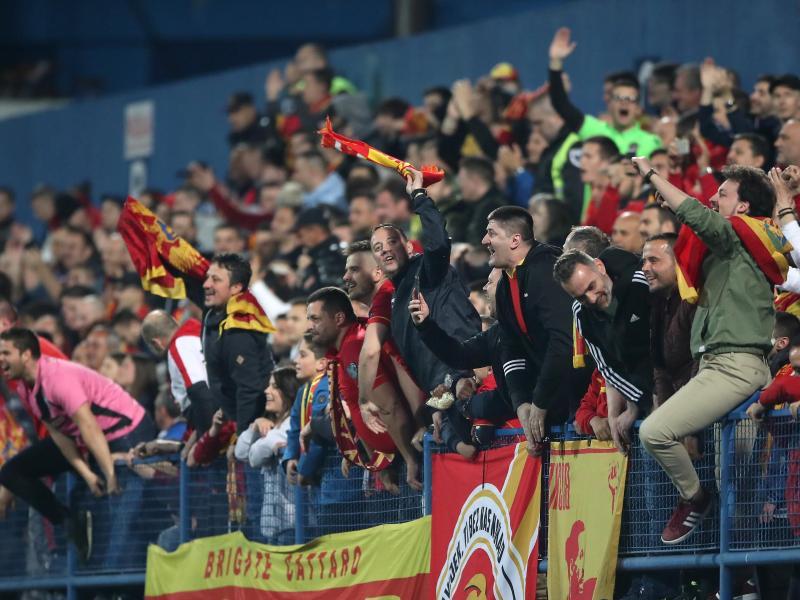 Wegen des Verhaltens einiger Fans von Montenegro muss ein Heimspiel ohne Zuschauer bestritten werden