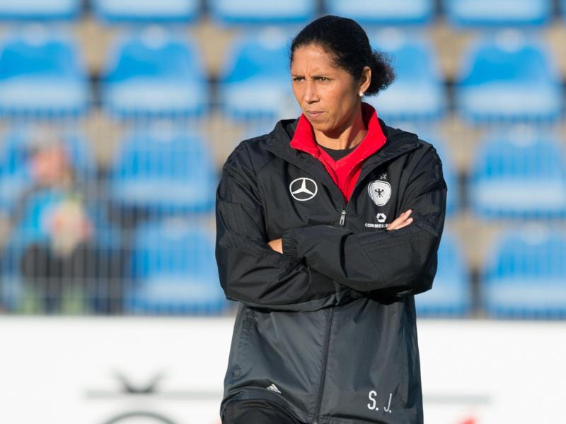 Steffi Jones hilft im Trainerstab des Frauen-Landesligisten SSV Buer 07/28 aus