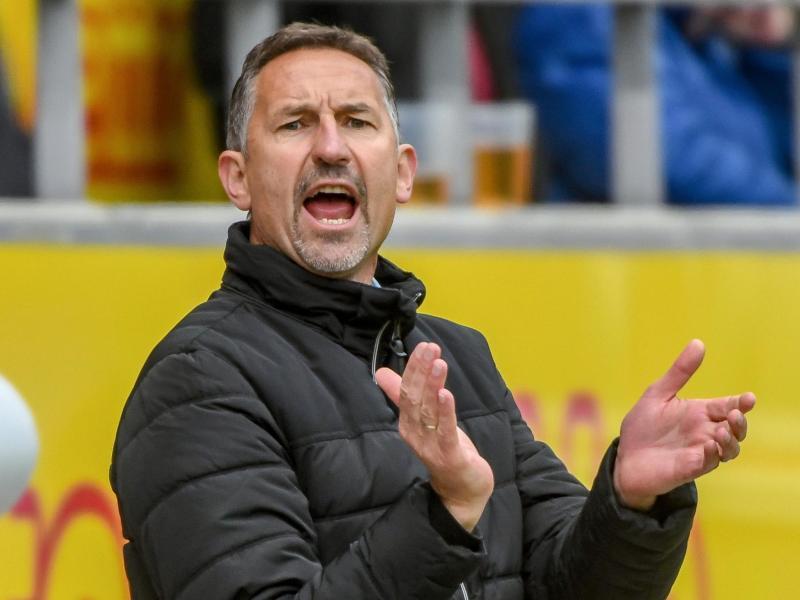 Jahn Regensburgs Trainer Achim Beierlorzer wird als neuer Coach von Aufsteiger FC Köln gehandelt