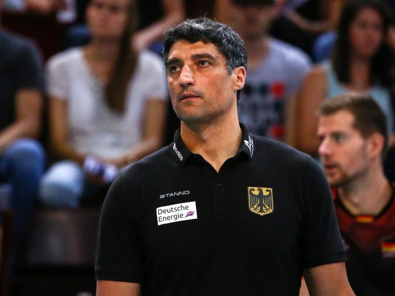 Musste mit Deutschlands Volleyballern eine weitere Niederlage hinnehmen: Bundestrainer Andrea Giani