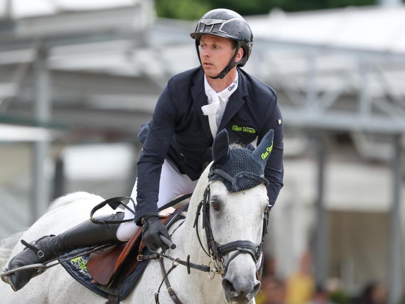 Felix Haßmann gewinnt auf Cayenne die deutschen Meisterschaften im Springreiten