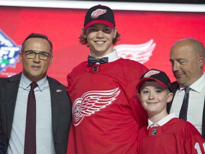 Moritz Seider wurde als sechster Pick von den Detroit Red wings gedraftet