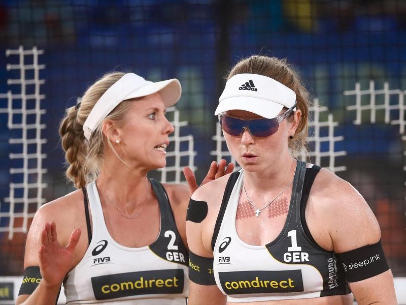 Überzeugen und begeistern bei der Beach-WM in Hamburg: Karla Borger (l) und Julia Sude