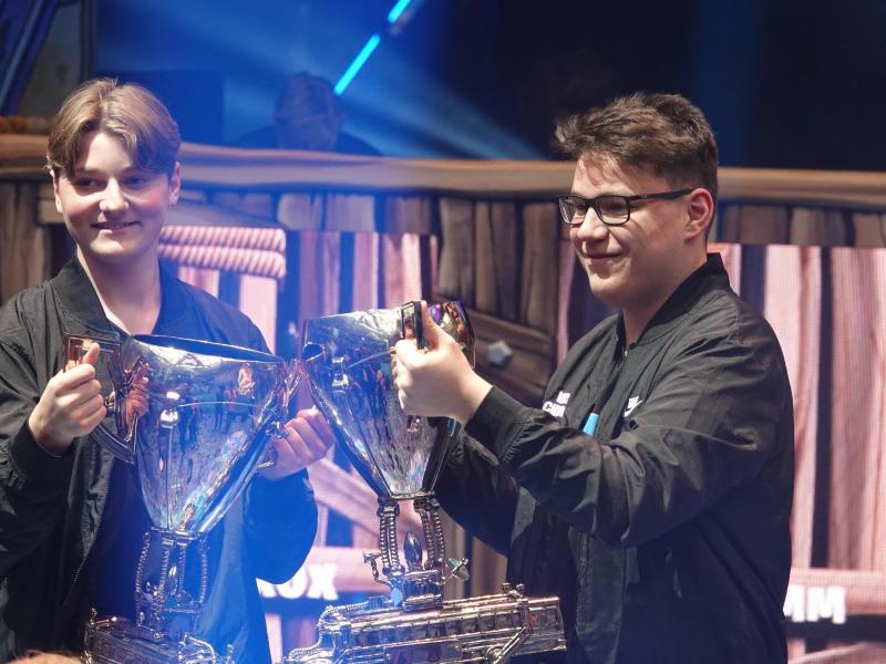 Nyrhox (l.) und Aqua haben den Fortnite World Cup im Doppel gewonnen