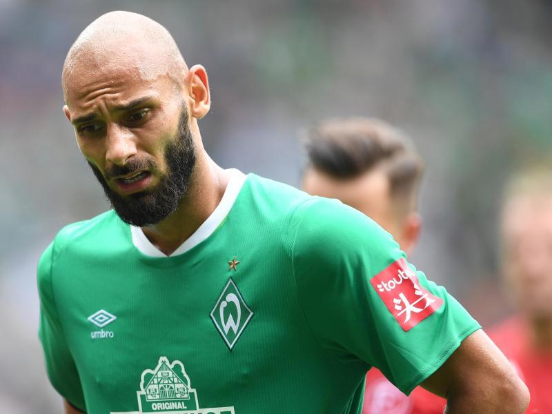 Werders Ömer Toprak klagte nach der Niederlage gegen Fortuna Düsseldorf über Schmerzen am Bauch