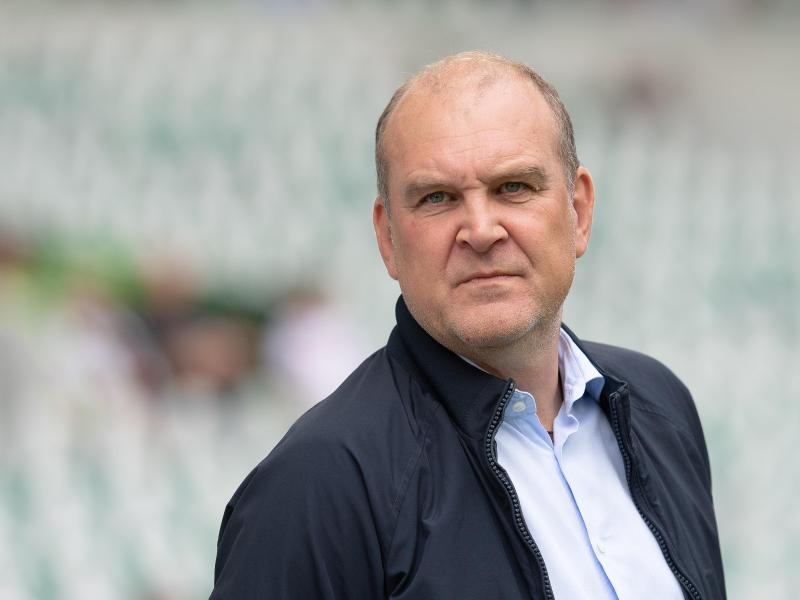 Wolfsburgs Geschäftsführer Jörg Schmadtke wurde von den Fans des 1. FCKöln beleidigt
