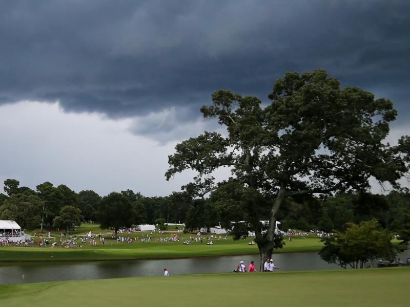 Ein Blitz schlug am East Lake Golf Club ein