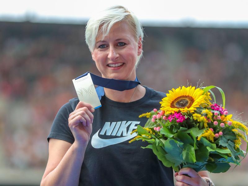 Zehn Jahre nach den Leichtathletik-WM erhält Hochspringerin Ariane Friedrich nachträglich die Silbermedaille