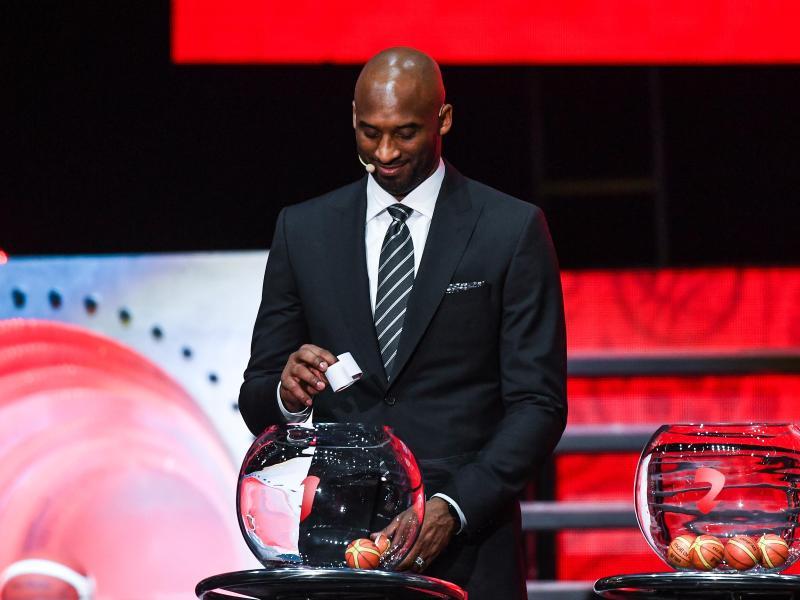 Loste die WM-Gruppen aus:Der frühere NBA-Star Kobe Bryant. Foto: Mao Siqian/XinHua