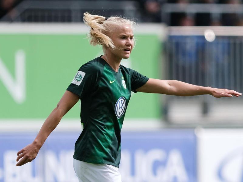 Pernille Harder schießt den VfL Wolfsburg mit zwei Toren an die Tabellenspitze