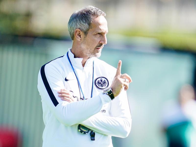 Trifft mit Eintracht Frankfurt am 7. Spieltag auf Werder Bremen: Trainer Adi Hütter. Foto: Uwe Anspach