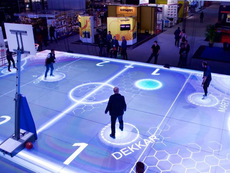 Der interaktive Hallenboden kann auf verschiedene Sportarten angepasst werden
