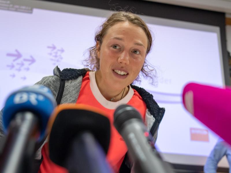 Laura Dahlmeier bei der Pressekonferenz in Planegg