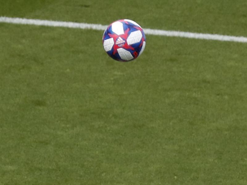 Der Ball kann weiterrollen: Spanischen Fußballspielerinnen wird ein Mindestgehalt garantiert