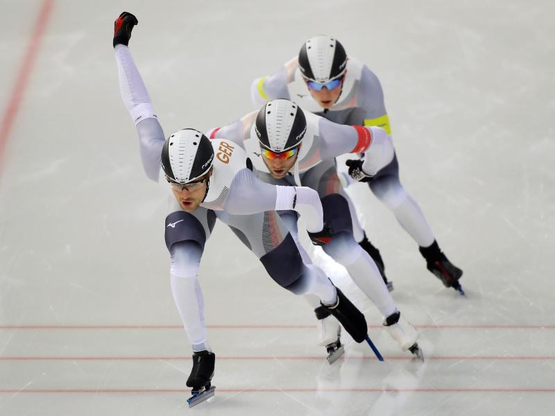 Das Team der deutschen Eissprinter in Aktion