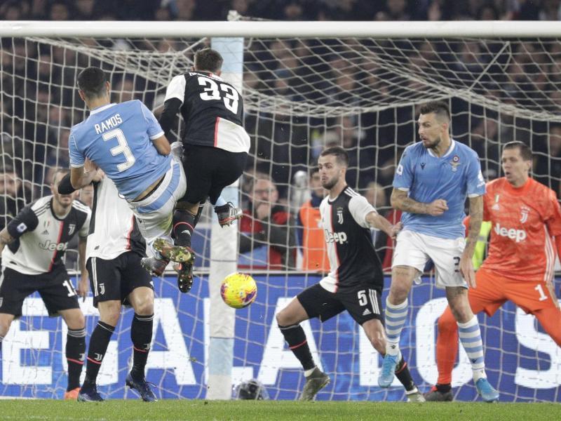Juventus unterliegt bei Lazio Rom