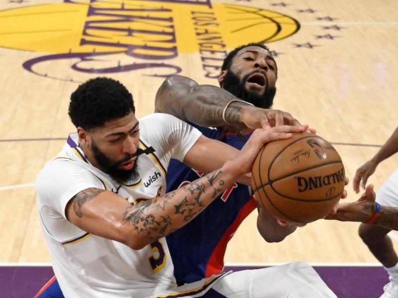 Anthony Davis (li.) führte die Lakers zum Arbeitssieg