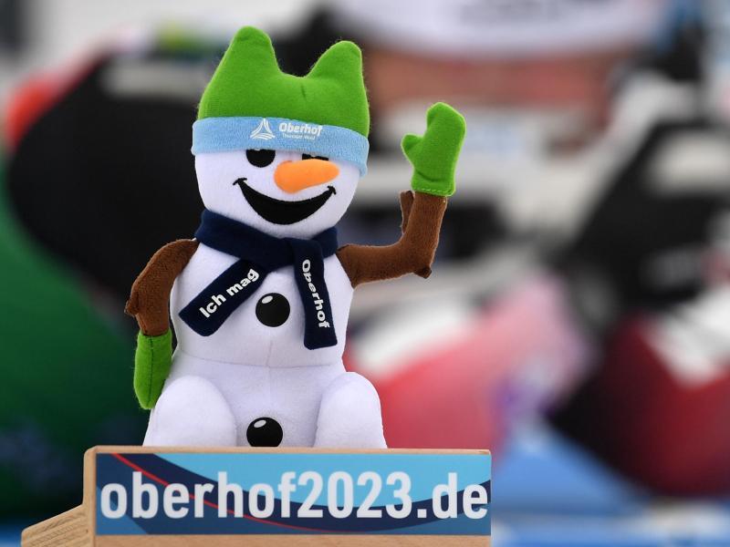 WenigSchnee: Beim Biathlon-Weltcup in Oberhof fehlt es an Naturschnee