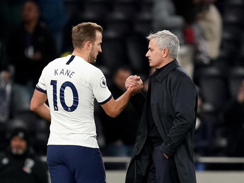 Tottenham Hotspurs Starstürmer Harry Kane und Trainer José Mourinho