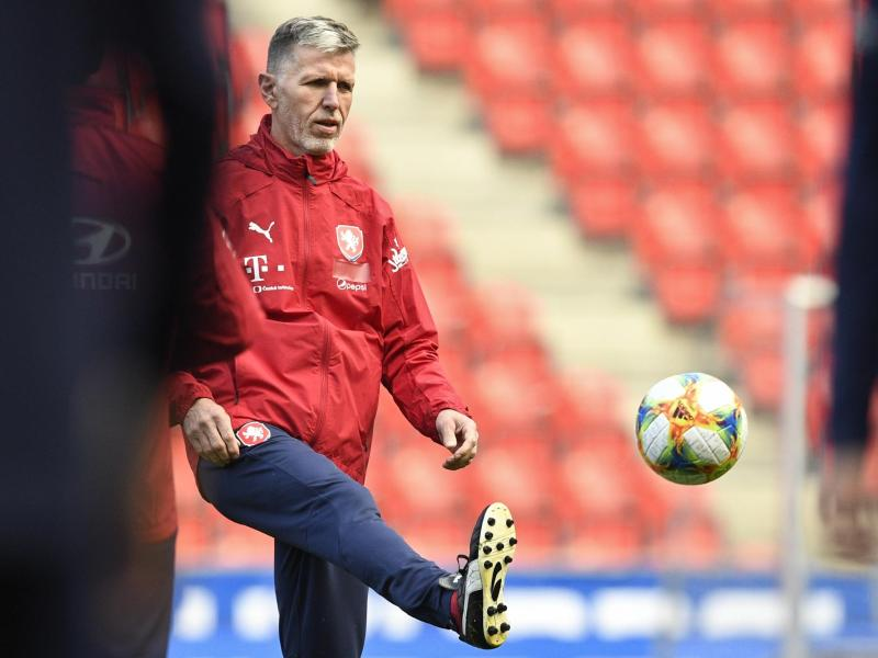 Trainer Jaroslav Silhavy bezieht mit dem tschechischen Team bei der EM Quartier in Edinburgh
