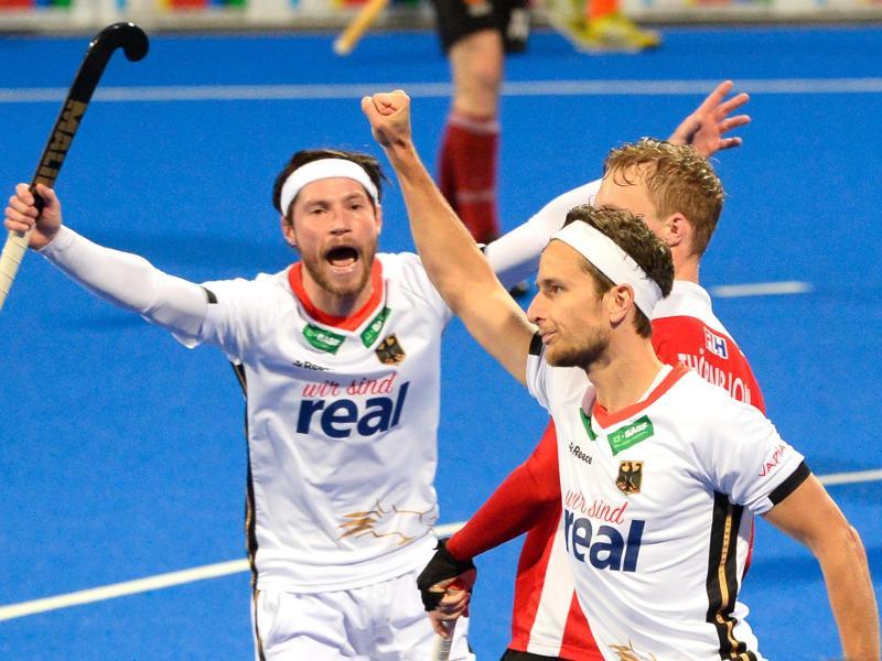 Die deutschen Hockey-Herren um Marco Miltkau (r.) besiegten Spanien