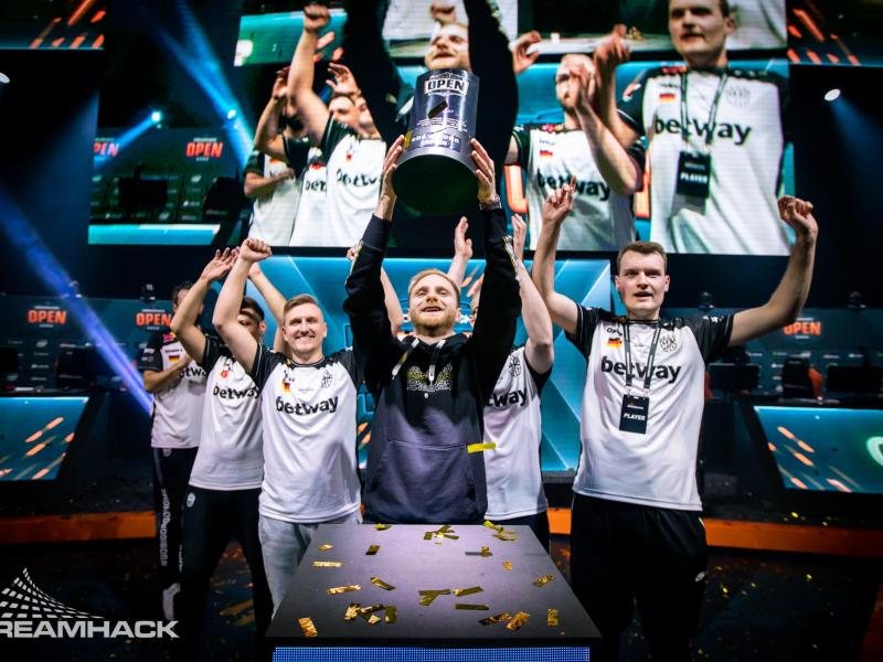 Das Berliner CS:GO-Team BIG hat die Dreamhack Open in Leipzig gewonnen. Foto: Dreamhack/dpa