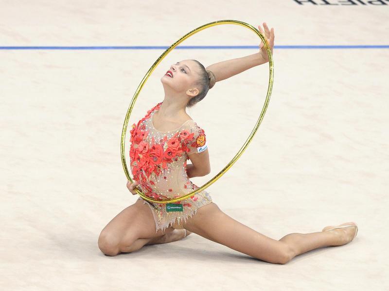Die russische Sportgymnastin Alexandra Soldatova bei ihrer Übung
