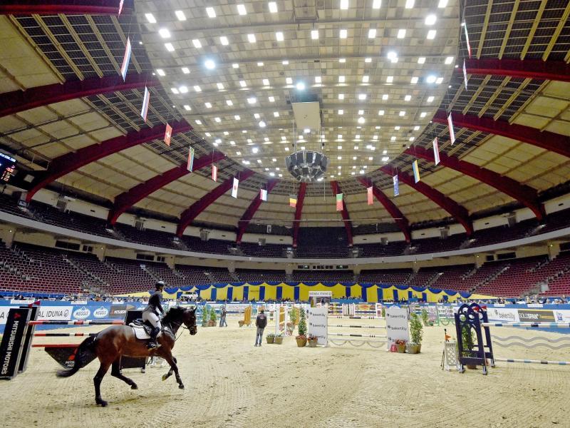 Auch das Reitturnier in der Dortmunder Westfalenhalle wurde nach einige Zögern wegen der Corona-Krise abgebrochen