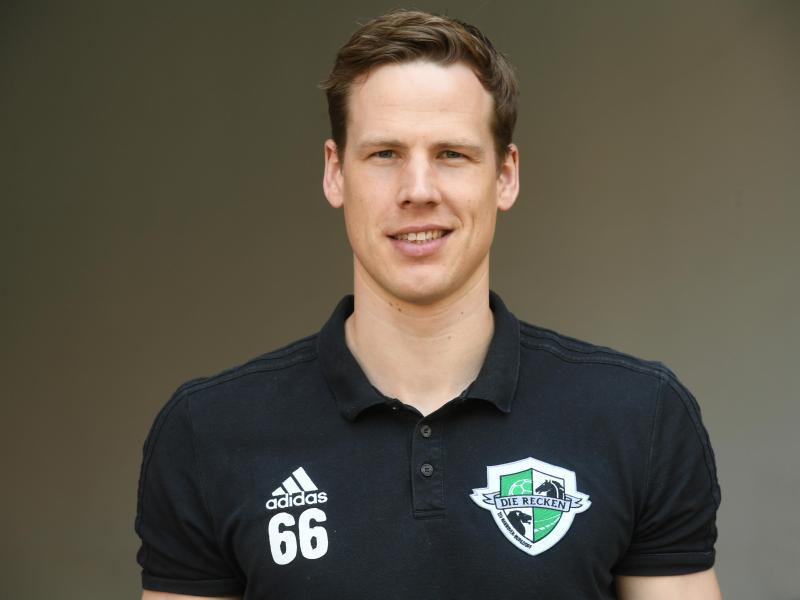 Hannover-Sportchef Sven-Sören Christophersen befürchtet für einige Handball-Klubs in der Corona-Krise dramatische Folgen